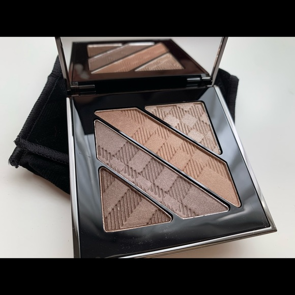 Burberry Other - Burberry Complete Eye Palette